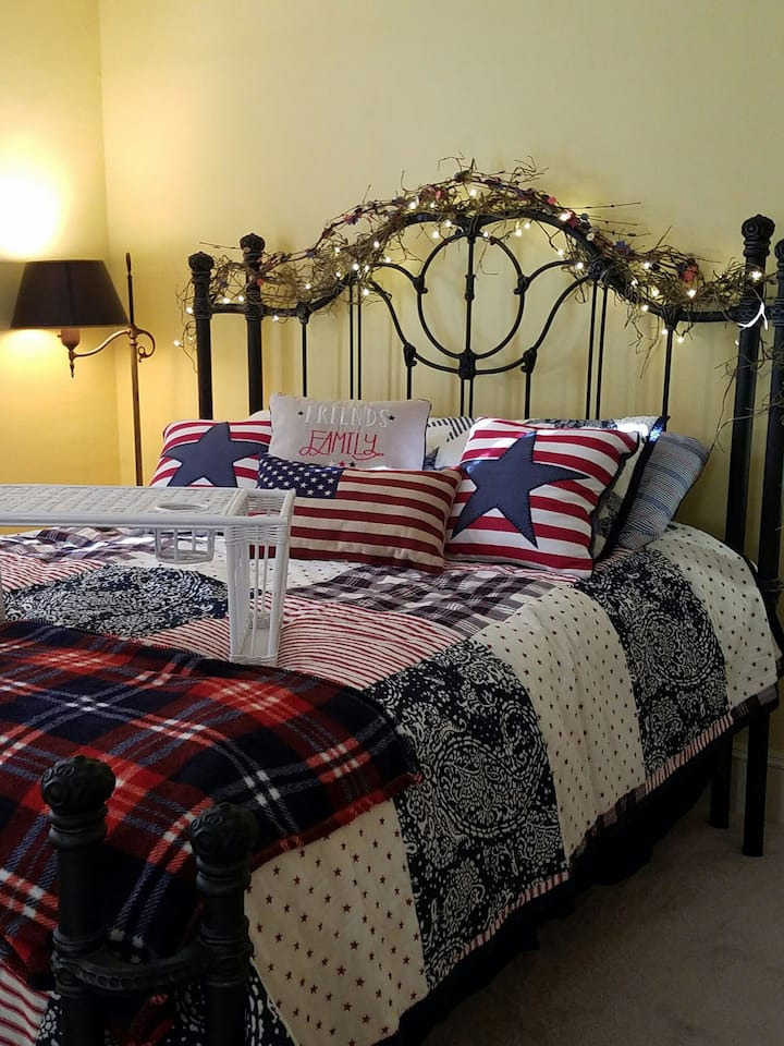 Charming Perkin's House Americana Room