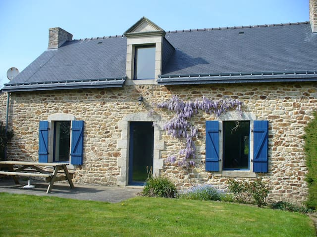 Beautiful house, 25 mins from sea - Pluvigner