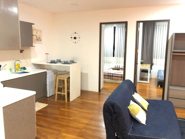 2 bedroom apartment in katong area for rent