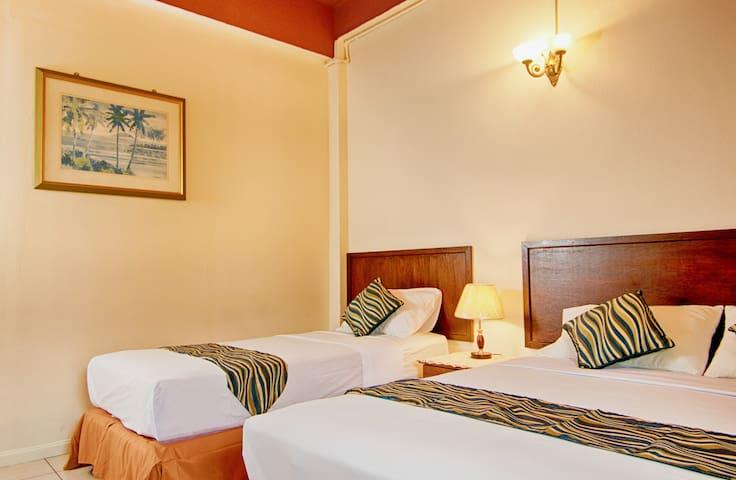 Triple Room (common bathroom) - Kota Kinabalu - Bed & Breakfast