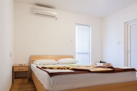 Double room Marko - Budva - Ev