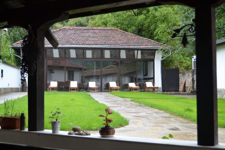 Casa Bella en la montaña en el centro de Bulgaria