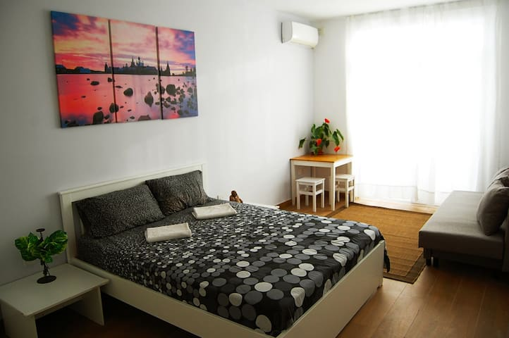 SPACIOUS DOUBLE BEDROOM WITH TERRACE & YOGA ROOM