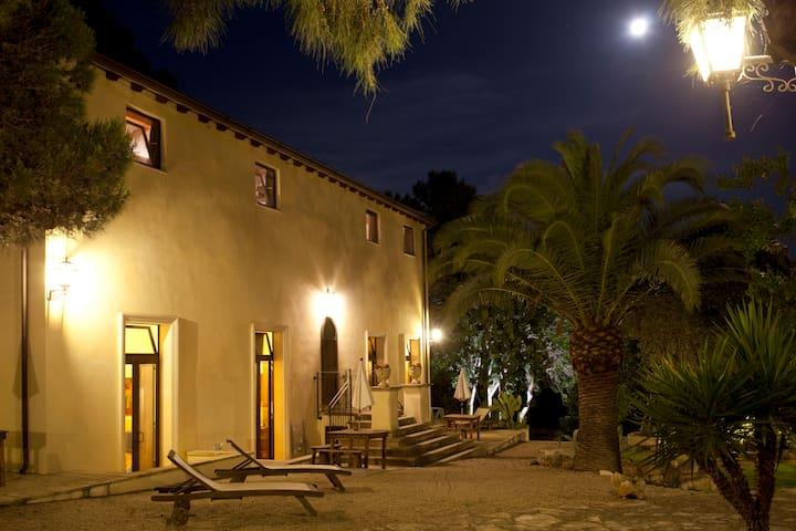 Relais Villa Scinata ⚜️Superior Room Nr