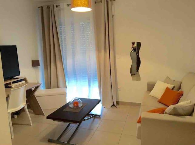 Studio charmant dans résidence calme