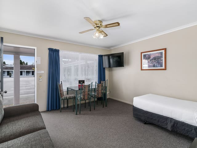 One Bedroom with Shower @ ASURE Prince Motor Lodge