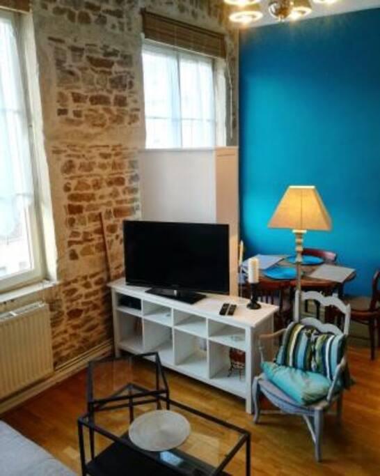 pied terre id al plein de charme appartements louer lyon rh ne alpes france. Black Bedroom Furniture Sets. Home Design Ideas