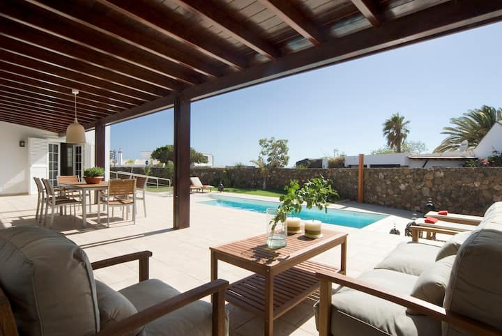 Magnifica Villa Perla con Piscina, Wifi y AC