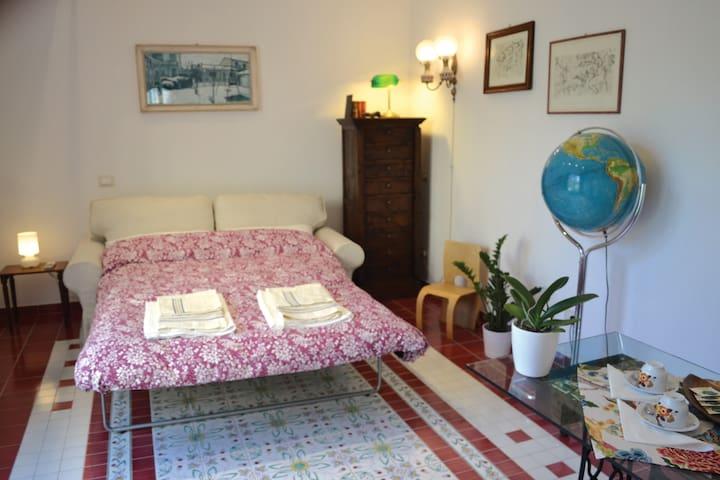 A Room in the Garden - Pisa