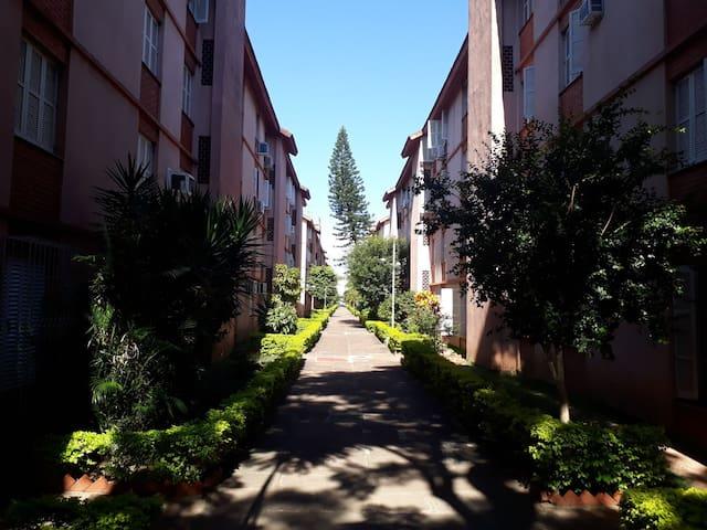 AP confortável, Ótima Localização em Porto Alegre