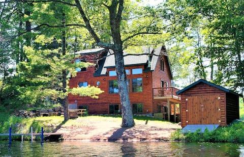 Hermosa cabaña frente al lago en una península privada!
