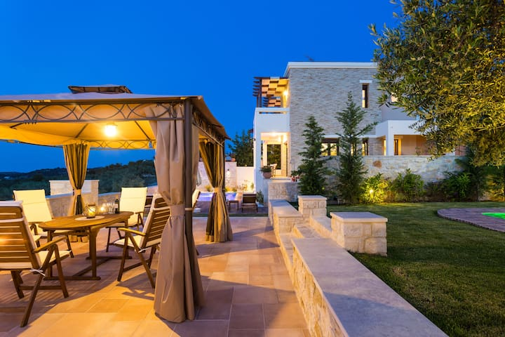 Gorgeous Villa 1