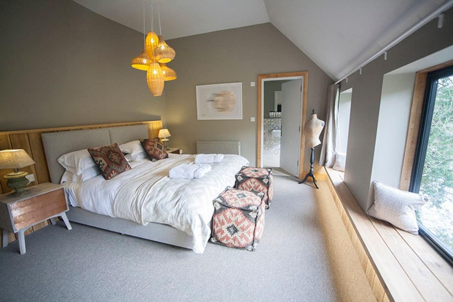 Large Double room with shower room 205