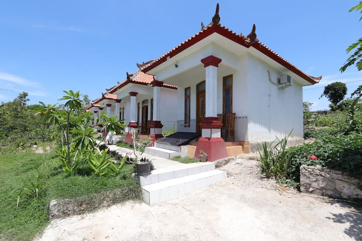 House on the Hill of Puncak Mundi Nusa Penida R3