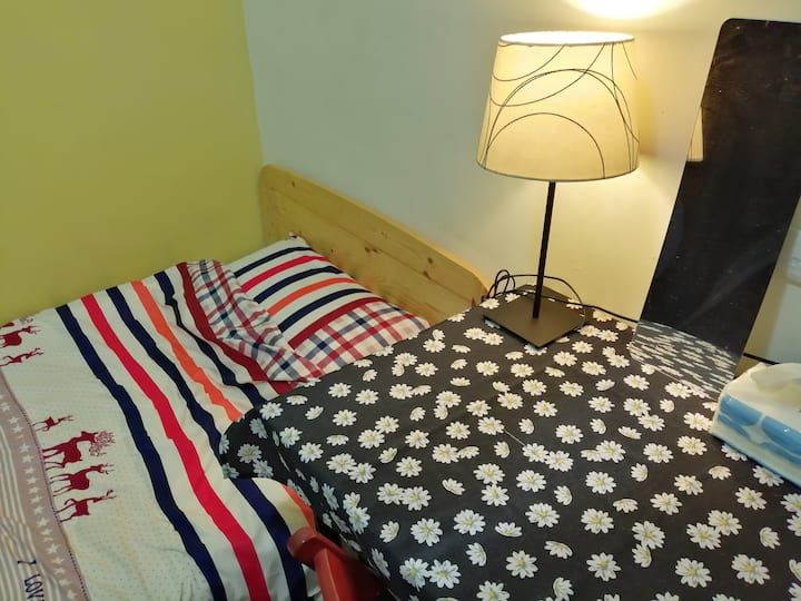 ★Y3_Taipei Single Room@Near MRT & Market