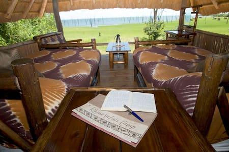 Rhino Safari Camp Matusadona Kariba - Muuyu Island - Andere