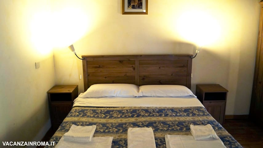 room in the heart of Rome