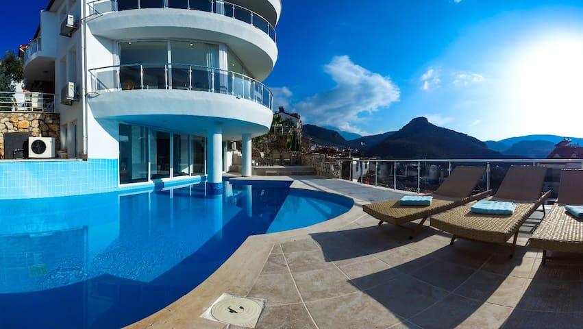 Panorama Villa Fethiye - mit Hauseigenem Pool - Fethiye - Huis