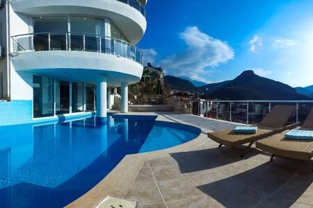 Panorama Villa Fethiye - mit Hauseigenem Pool - เฟทิเย - บ้าน