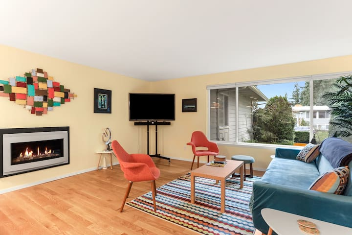 Mid-Century Modern, Curated Kingsgate Home
