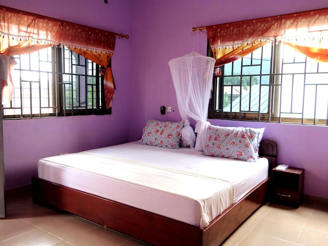 Peace & Comfort in our beautiful Dodowa Guesthouse