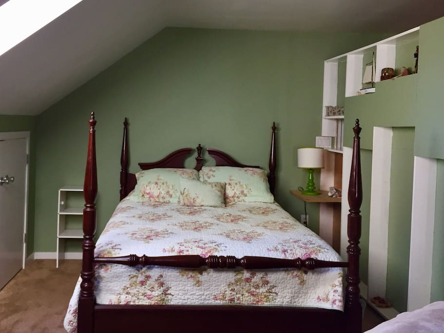 Queen size bed and available closet.