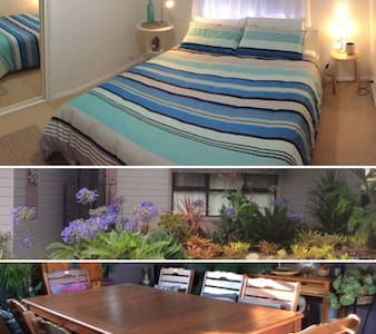 Surf Side Accomodation in a Private Queen Room - Towradgi - บ้าน