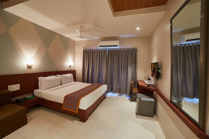 5 nights package executive room @lonavala.