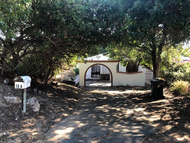 Mippi Beach Cottage