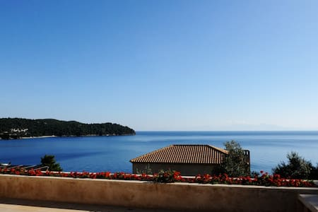 GoldieLocks 6-Bedroom Beachfront Villa Skiathos - Skiathos - Villa