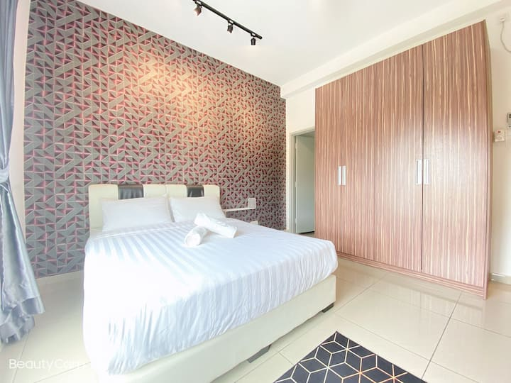 ❀The Season❀@UHA 2BR 4-5pax WiFi near KSL & Larkin