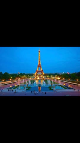Perfect location - Eiffel Tower - 4people