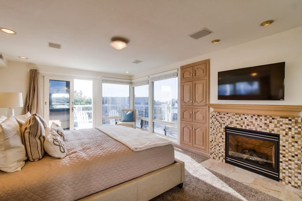 Master Suite  w/fireplace
