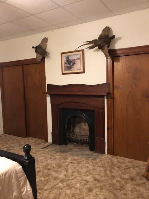 Black Bear Den....pheasant room... bedroom 2 of 4