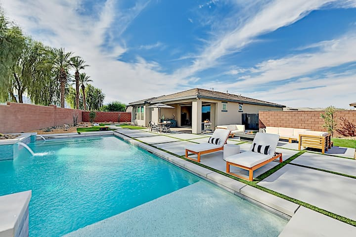Luxurious Private Oasis with Pool, Spa & Firepit