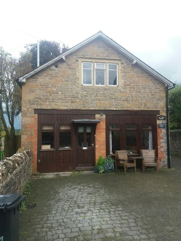 Mallows Cottage for 2 in Yetminster