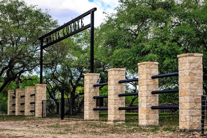 600 Acre Whole Ranch!