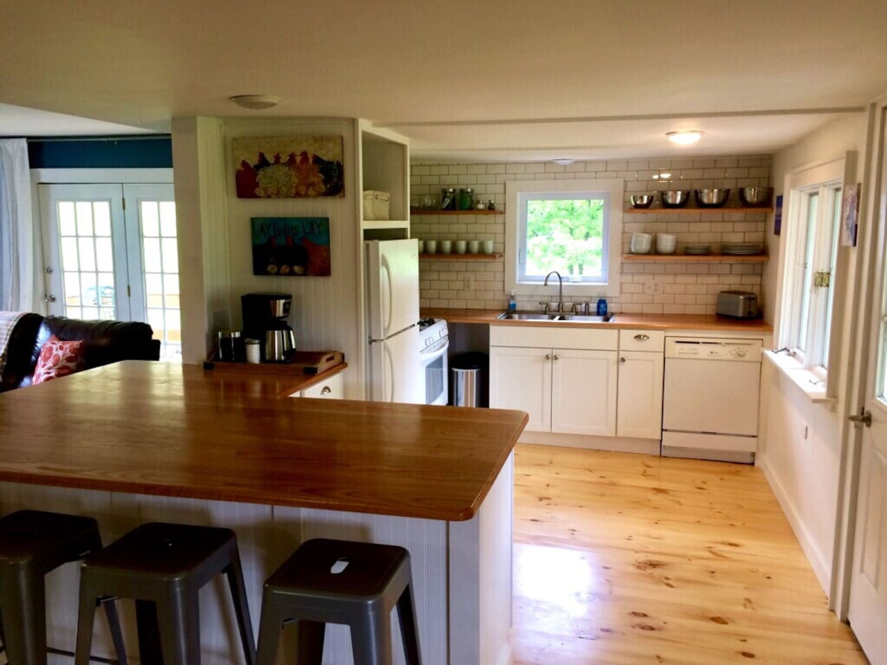 Kitchen with large peninsula.  Seating for six!