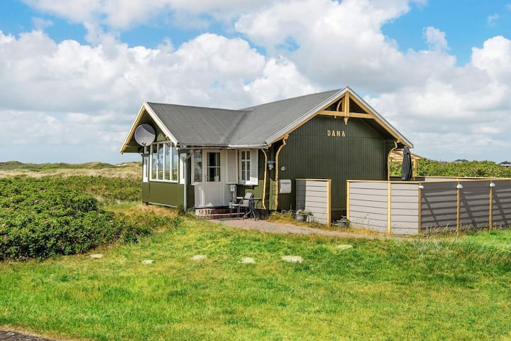 Vintage Holiday Home in Rømø with Sandy Beach nearby