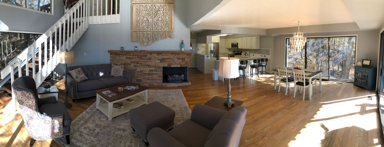 Tranquil Mountain Retreat, New Listing, Fireplace, WiFi, Decks with Views
