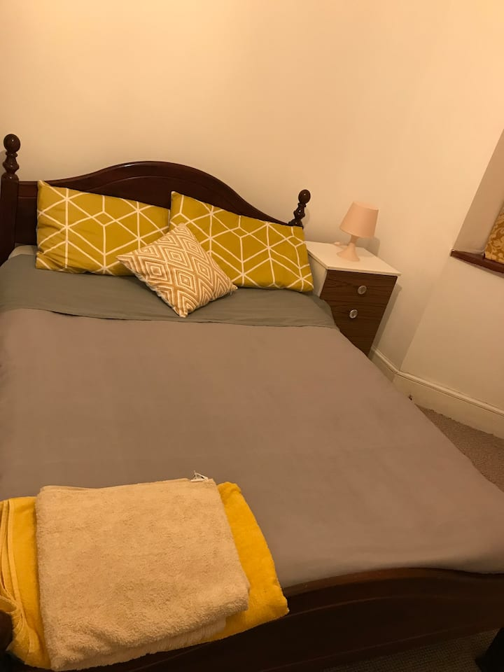 Large double room in a family house