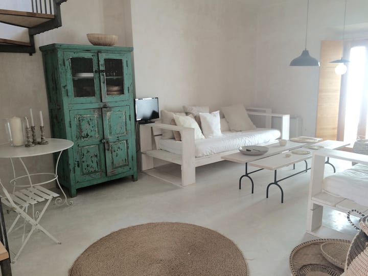 Historic center with roof and patio sleeps 5