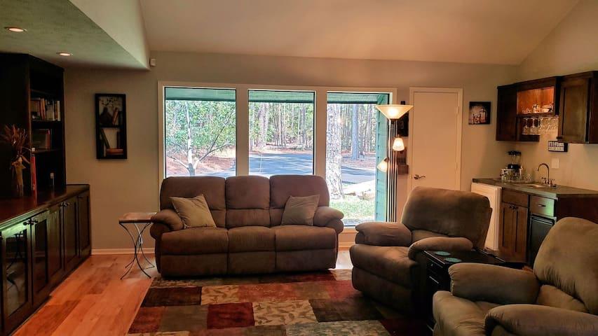 Living room with mini bar & ice maker