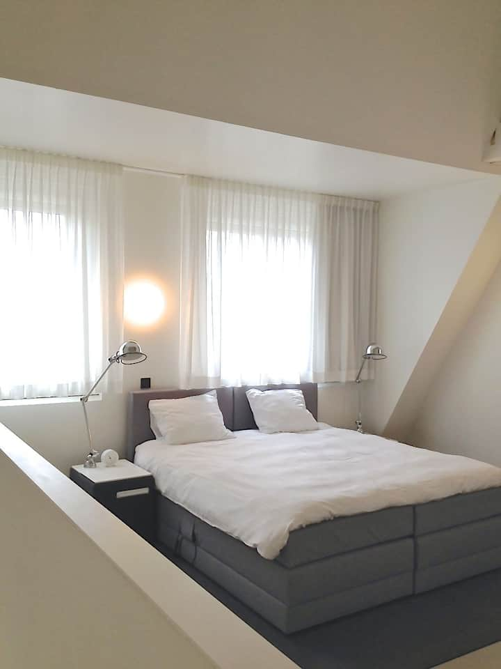 Urban Family Maisonete at Vrijthof Square >Fully Serviced! (85m2)