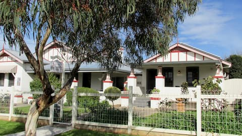 Maison Magnolia B&B - Parkes NSW