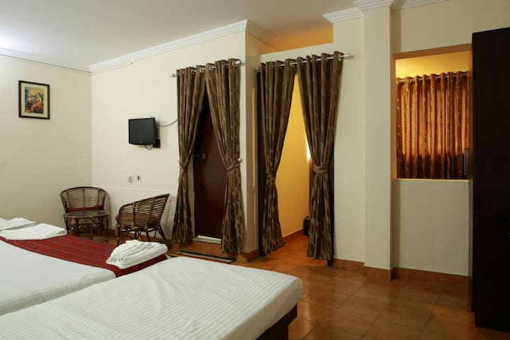Master Room for 8-12 guests in Munnar