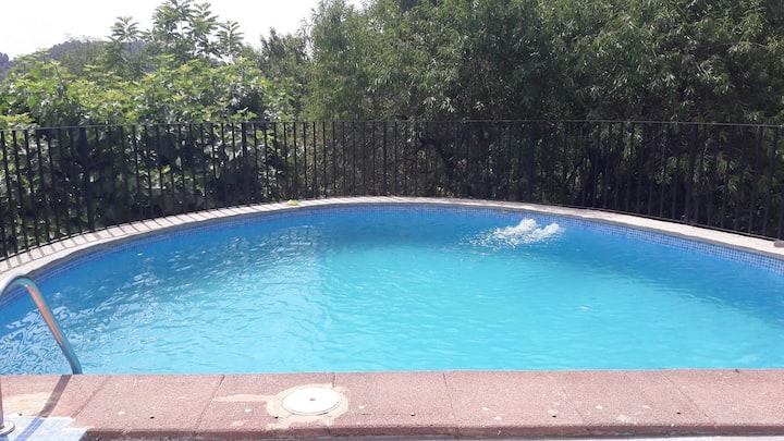 Casa con piscina en Torres Torres