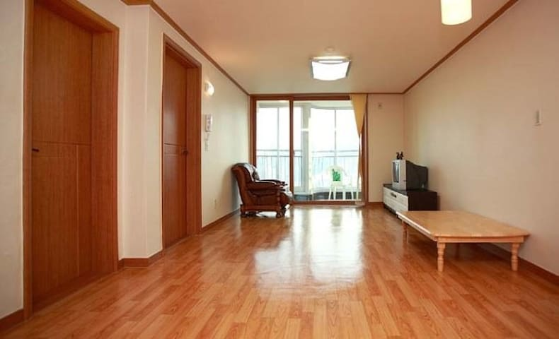 Phoenix park pinehill apartment (4~7persons) - Jongno-gu - Apartament