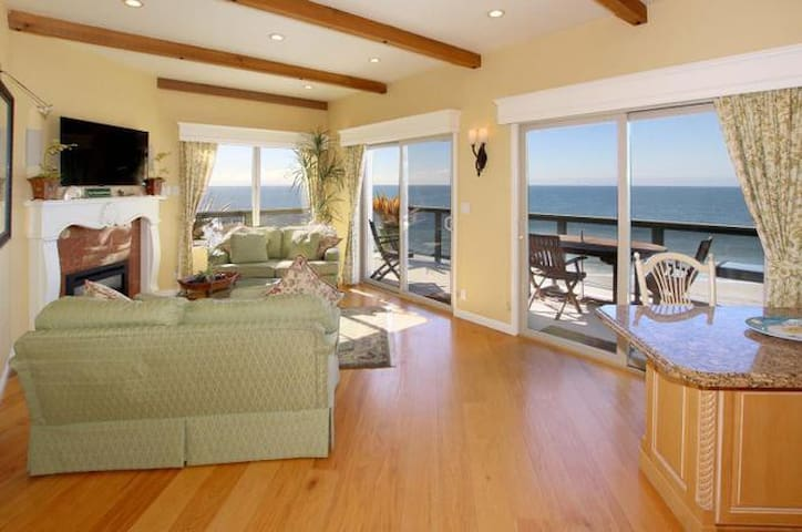 180 degree Ocean View*Walk to beach*Rare 3 BR Unit