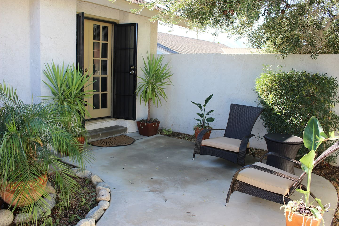 Private Cozy Hideaway Entry Courtyard.